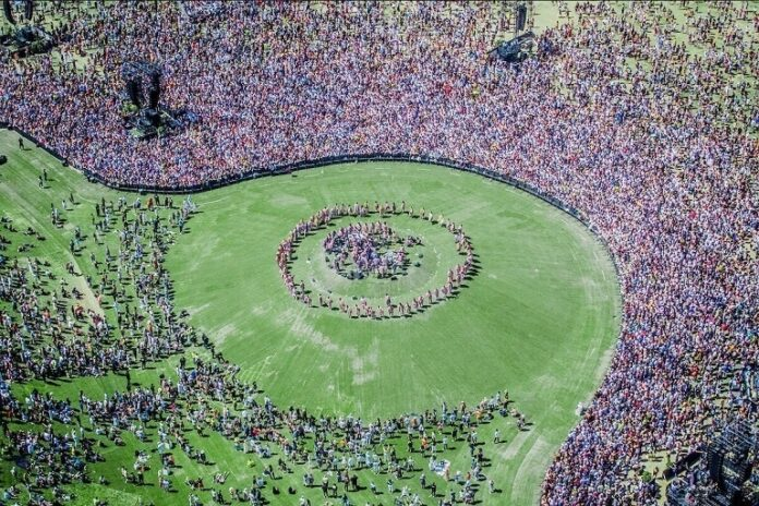 Kanye West Sunday service attracted more than 50k people