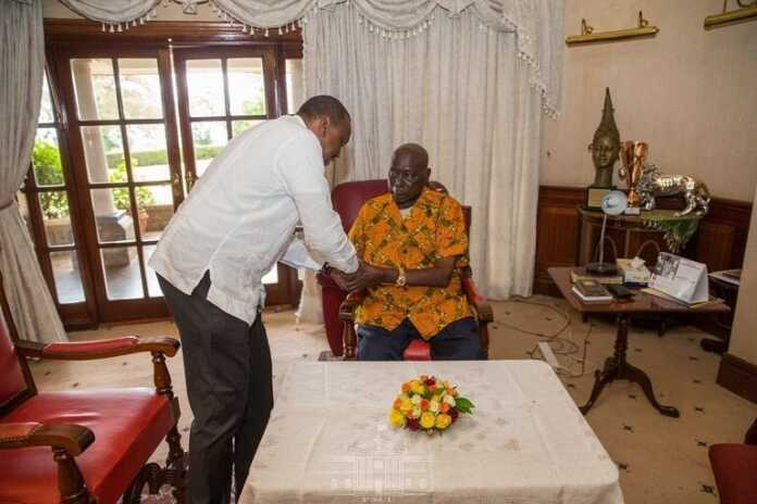 President Uhuru visit retired President Moi to condole with the family
