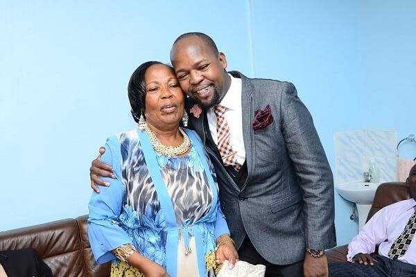 Alex Mwakideu mourns the death of his mother