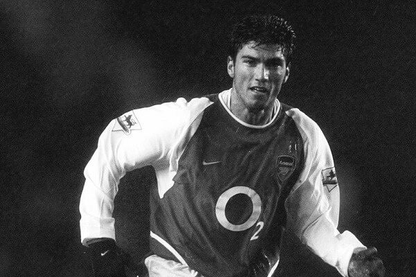 Former Arsenal winger Antonio Reyes dies in a car accident