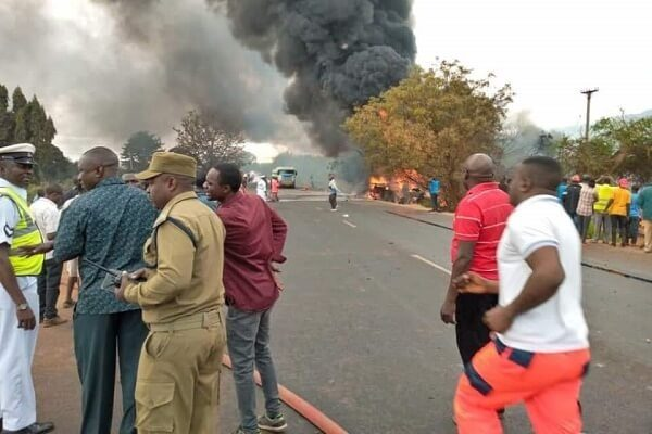 https://www.newsmoto.co.ke/tanzania-fuel-tanker-explosion-kills-5765-injured/