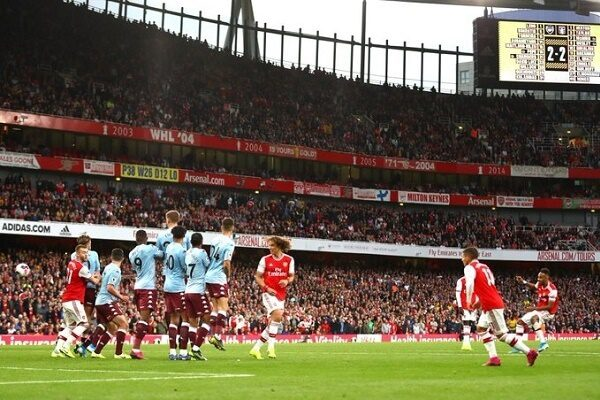 Arsenal come from behind to beat Aston Villa