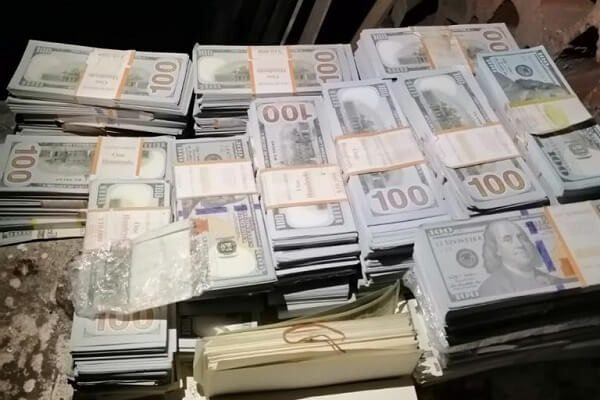 Detectives raid a Kilimani club where fake gold and dollars were recovered