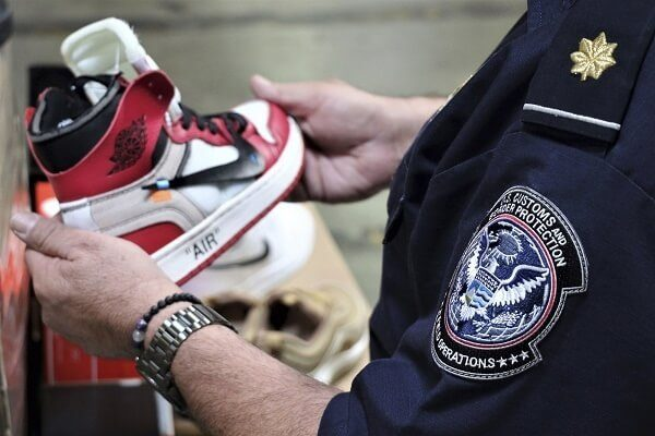Fake Nike shoes from China recovered at Los Angeles