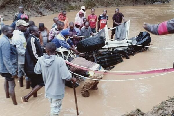 Mwingi weather: four dead as vehicle is swept by floods