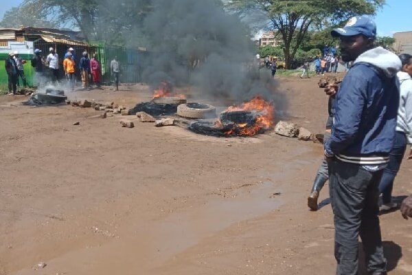 Protest in Juja over the poor state of the road