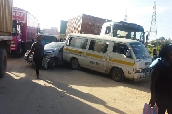 A lorry hits a private car and a matatu at Kibarani, Mombasa County