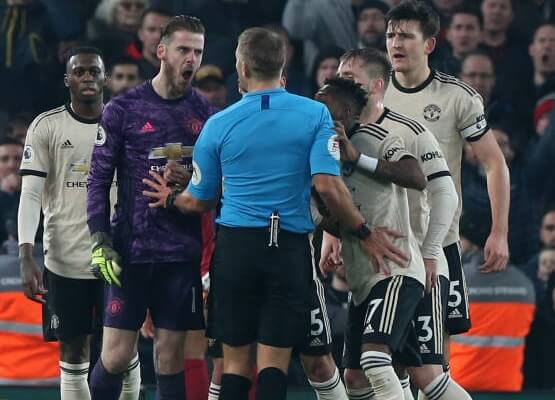 Manchester United to answer FA over players behaviour