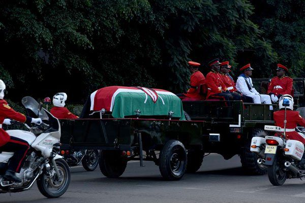 Moi's body arrives at parliament building