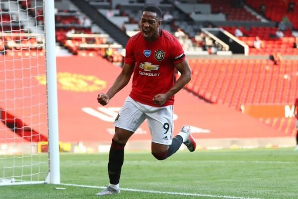 Manchester United net three past Sheffield