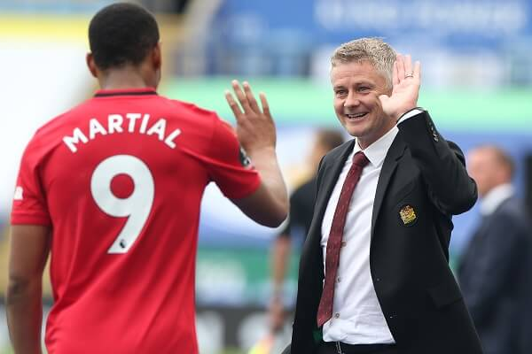Manchester United beat Leicester to finish third