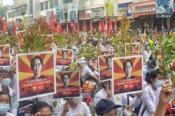 Myanmar crowd mourns young woman killed in protest