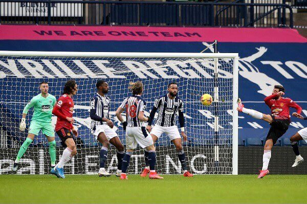 Manchester United held by struggling West Brom
