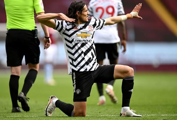 Edison Cavani extends contract with Manchester United