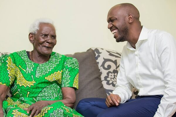 Larry Madowo breaks down during grandmother's burial